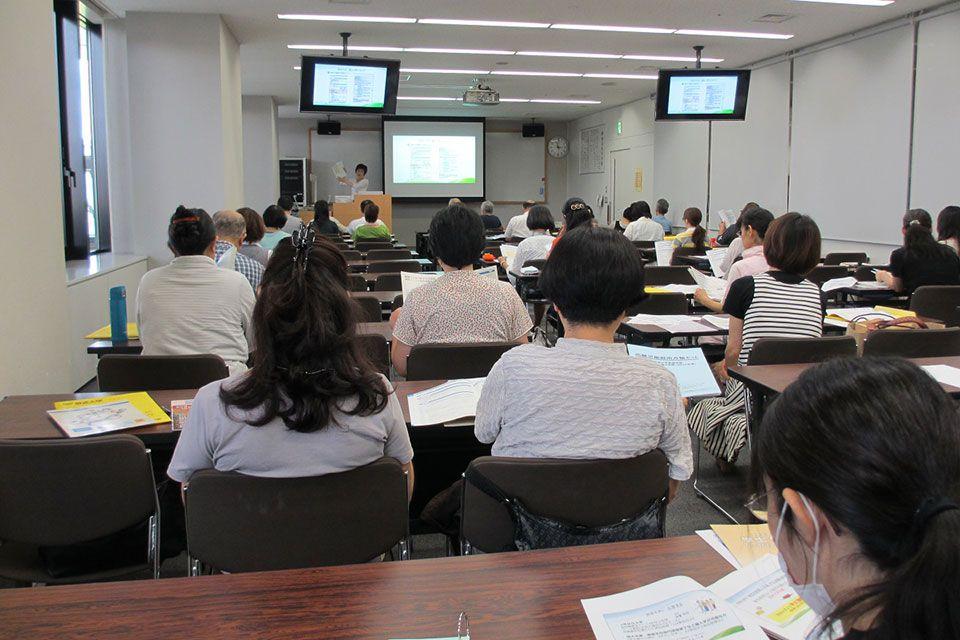 看護師・医療関係者のための公開講演会と学士(教養・看護学)取得説明会