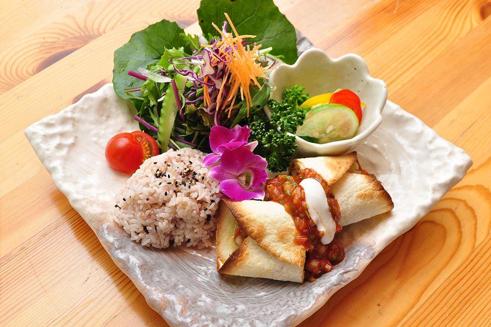 本土最南端のカフェレストラン『 葉っぱDELI』で地元食材にこだわった料理を楽しもう