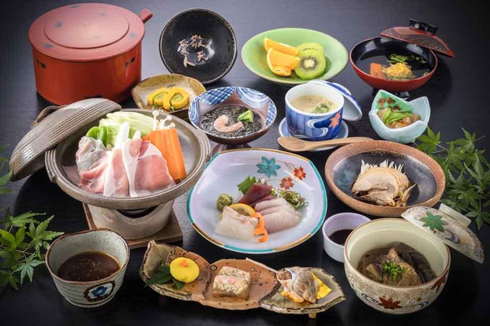 10カゴプラ温泉中島温泉旅館本館料理例下