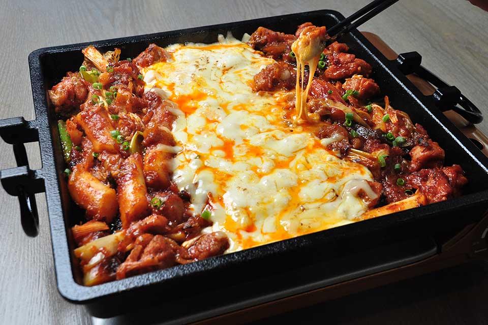 【チーズタッカルビ】意外とそれぞれ個性的!?県内各店で提供中の大人気韓国料理を比べてみました