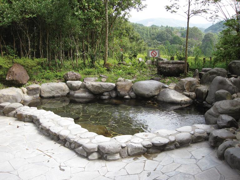 観音滝温泉 滝の宿