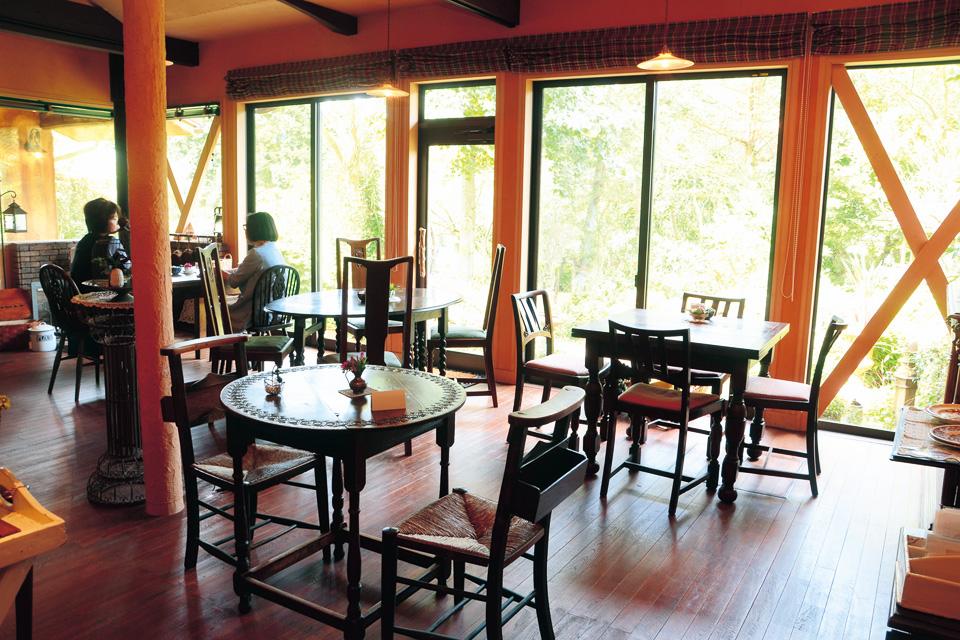 森のガーデンカフェ Avonlea