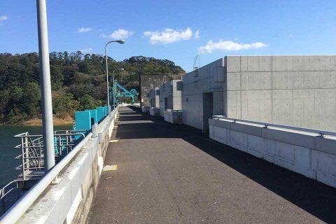 鶴田ダム/てっぺんw