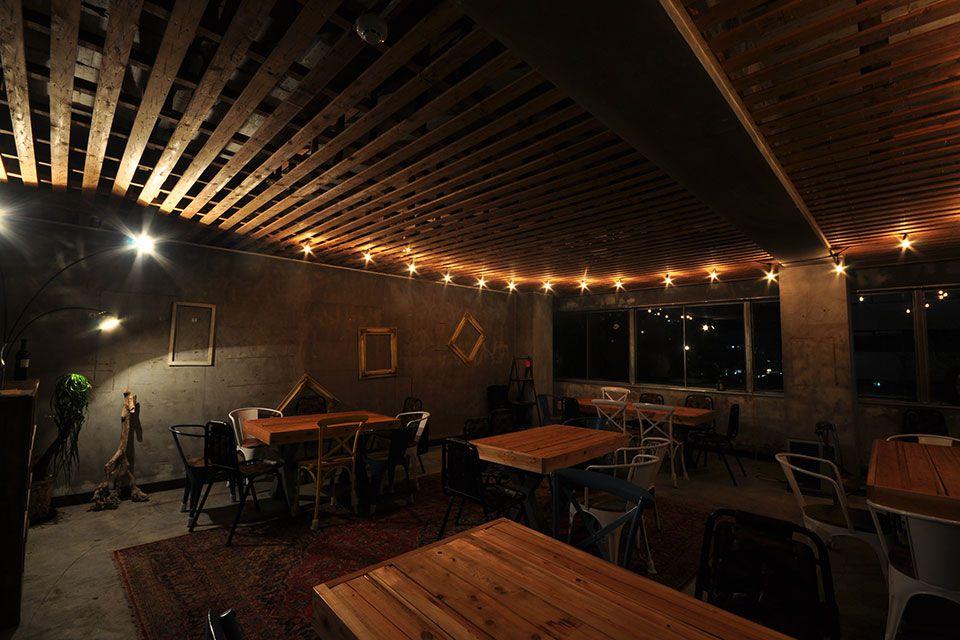 超絶オシャレなナイトカフェ。洗練された空間『recife&TEREZA』で美味しいポルトガルワインを