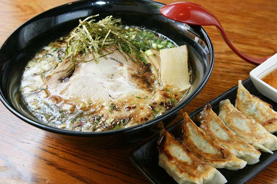 【薩摩郡山 麺屋 夢源】地元食材を使った種類豊富なラーメン店が郡山にあるんです。