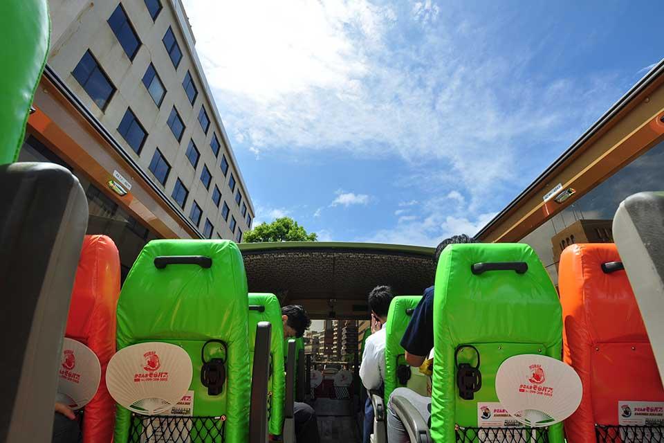 """【かごんまそらバス】開放感バツグン!鹿児島初の""""オープンバス""""運行スタート"""