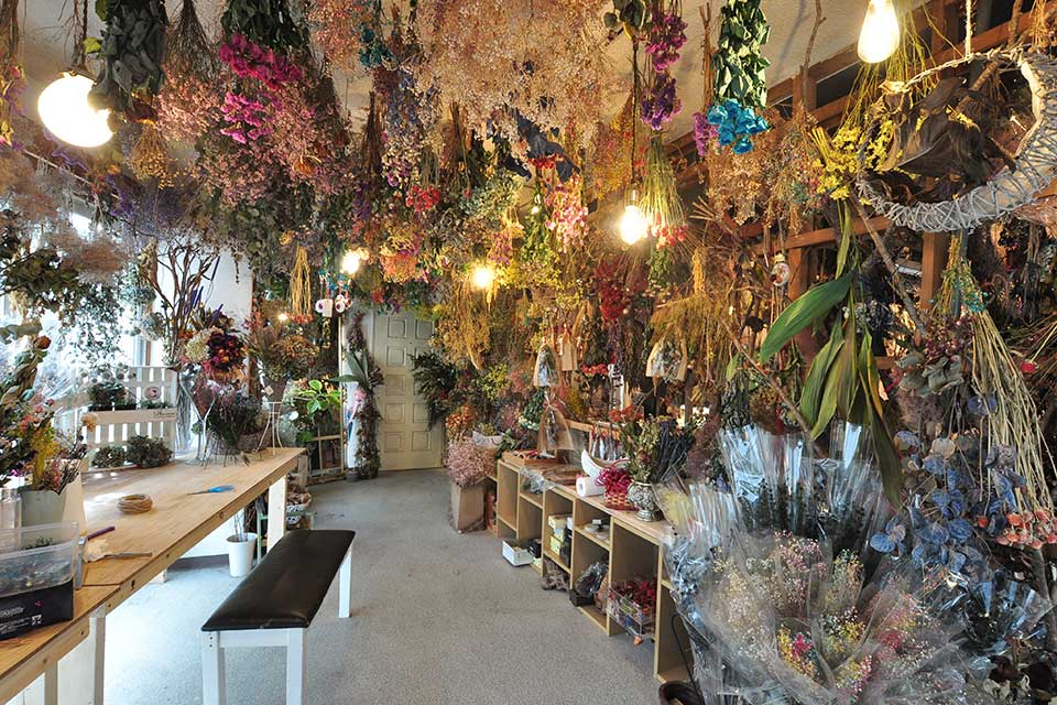 【ANDORA】SNS映えも抜群!フォトジェニックなお花屋さんで、お花を自分だけの形に