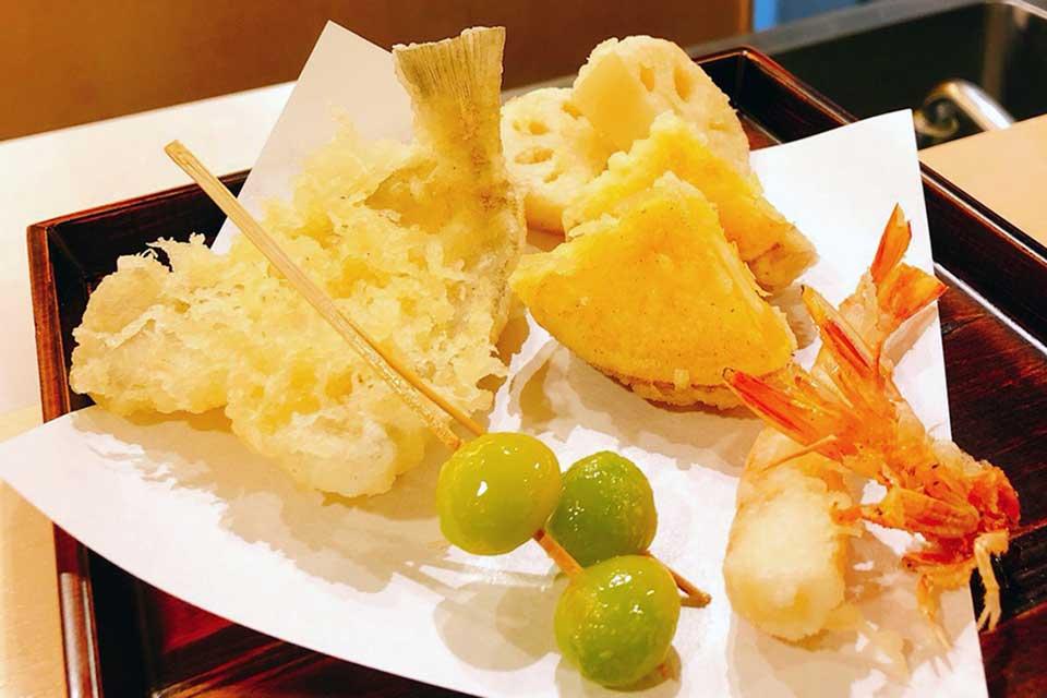 """【天ぷら くきに】食欲の秋は、旬の味覚をダイレクトに味わえる王道の""""天ぷら""""で謳歌したい!"""