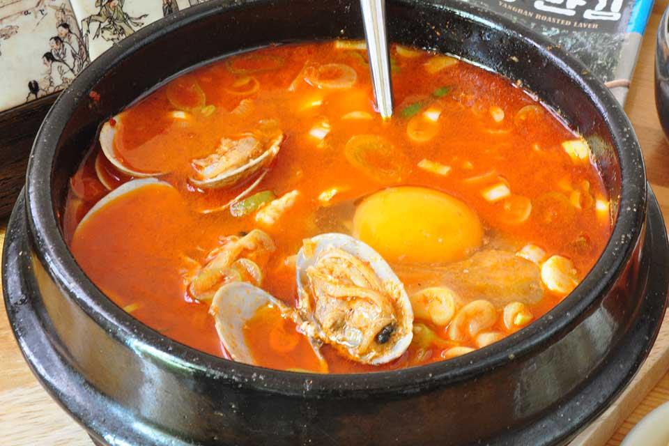 【ビビンシッタン】「かごしまランチ手帖」からピックアップ。吉野中学校近くで本格的な韓国料理を