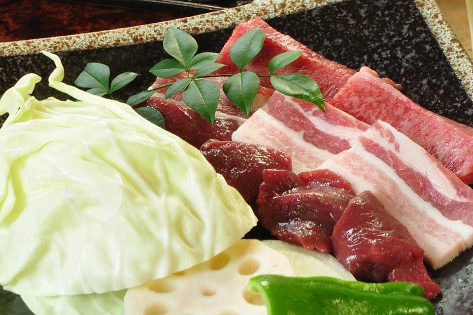 【れんが屋】〜ぶらり屋久島の旅 その3〜 ヤクシカって食べられるらしいよ!てか、食べてみたよ!