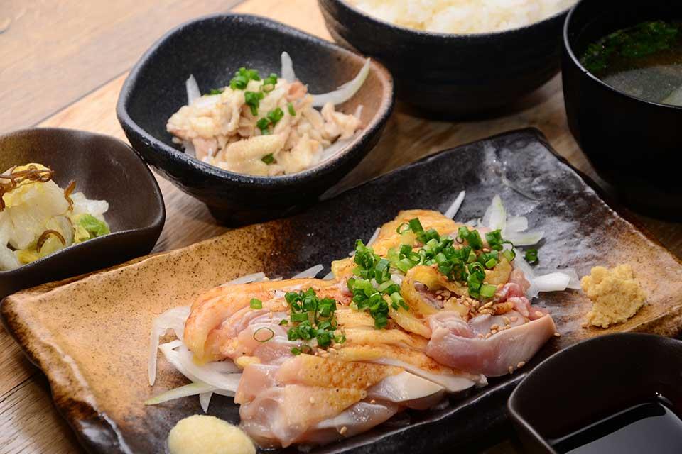 【薩摩鶏本舗 とり魂 いちき串木野】唐揚げに鶏刺しに鶏焼肉!美味しい鶏を召し上がれ