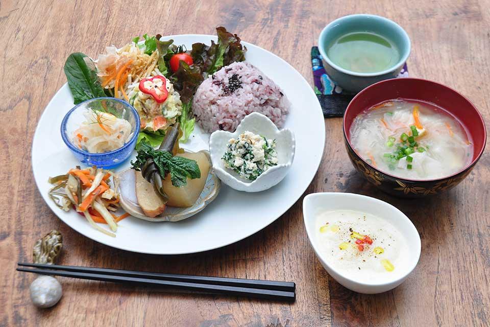 【農家カフェ「Café しらはま」】桜島にある農家カフェで身体に優しいランチ&スイーツを
