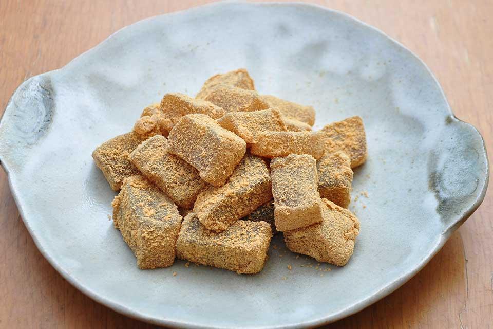 【鹿月】評判の手作り和菓子は少数精鋭・売切御免の絶品揃い(個人的にはわらび餅がツボ♪)