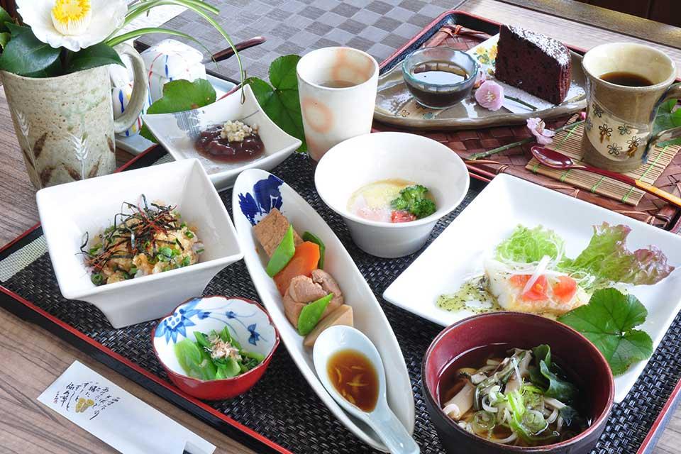 【福寿草】かごしまランチ手帖ピックアップ!1つ1つ丁寧に味付けされた料理がいっぱい。そばも美味しい~