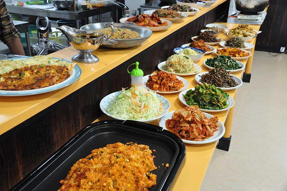 【洪家苑】ファミリーでも行きやすいお店にリニューアル!本場の韓国料理をバイキング でお腹いっぱい味わおう