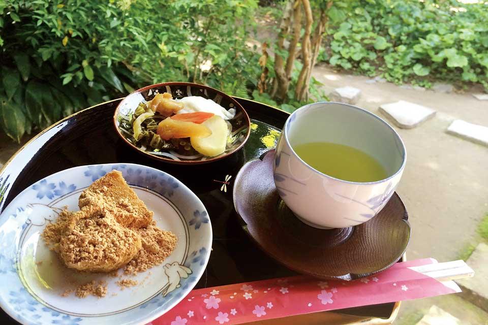 出水麓武家屋敷で!薩摩の郷土菓子あくまきと新茶のおもてなし