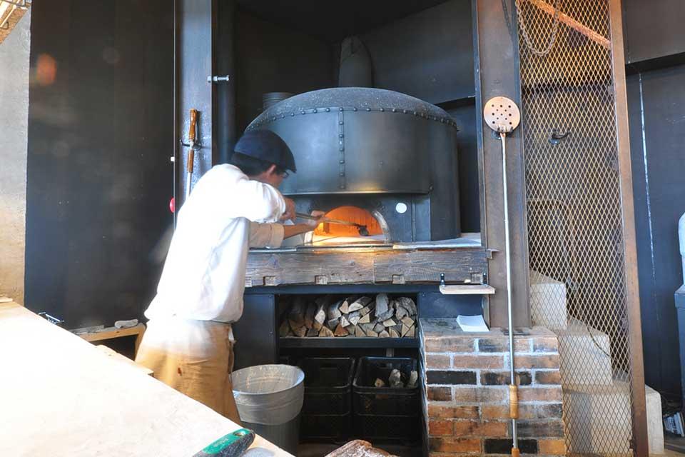 【PIZZERIA グラッツェ タンテ】食材にも雰囲気にもこだわった郊外のピッツァリアレストラン