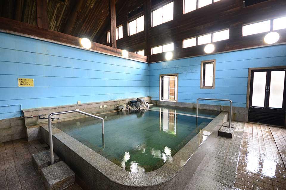 【紫尾区営大衆浴場 神の湯】湯上がり美肌美人になれちゃう!?良泉を100円で堪能