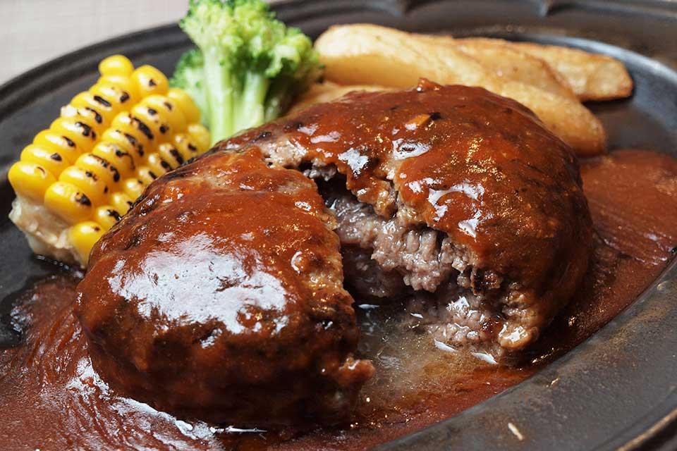 【炭焼食堂 レッドミート】肉汁たっぷりハンバーグに衝撃!サラダ・ドリンクバー108円に驚愕!