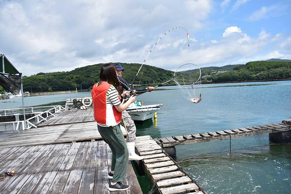 【阿久根シーパーク】釣り初心者のTJスタッフが、鹿児島唯一の海上釣り堀で釣り体験!