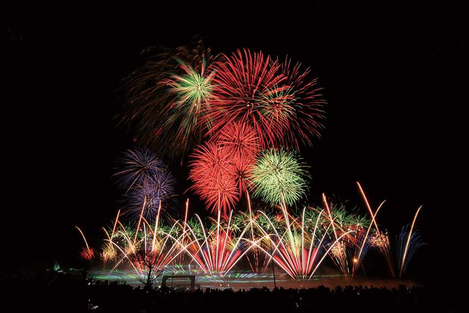 【阿久根みどこい秋まつり花火大会】今年もどどーんと1万発!迫力の花火が阿久根の空を染め上げます