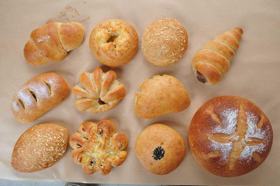 【やまびこの郷 玄米ペーストぱん工房】栄養豊富な幻の米「やまびこの郷」玄米ペーストのパン!