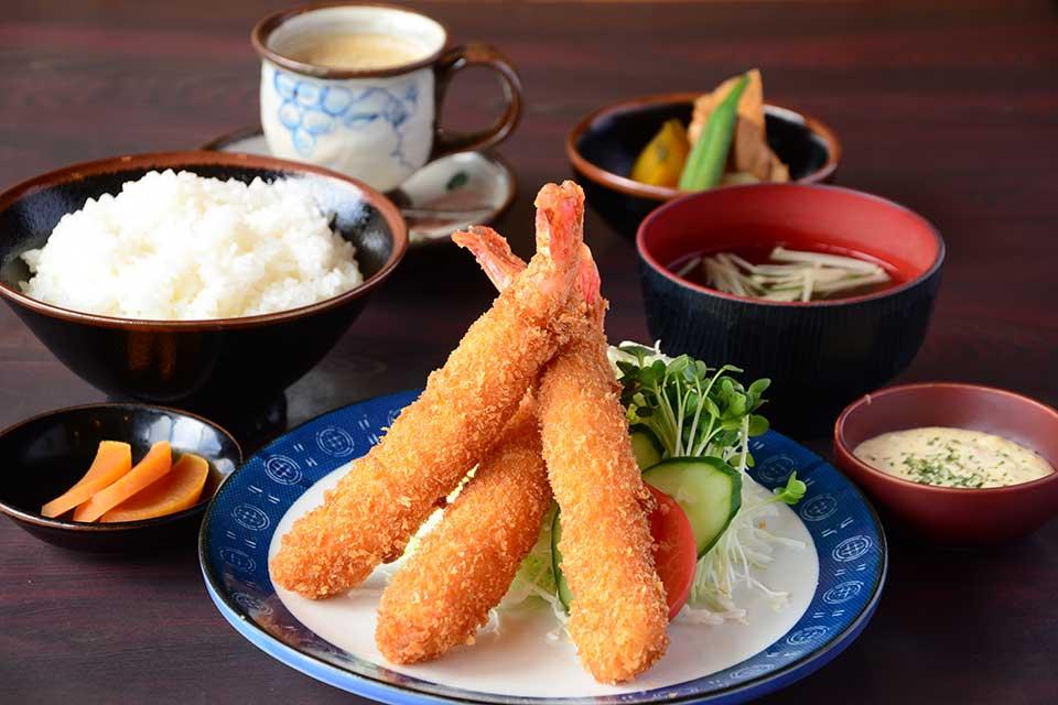 【焼肉 次郎長】こだわりの黒毛和牛をはじめ、美味しくてお腹いっぱいで大満足!