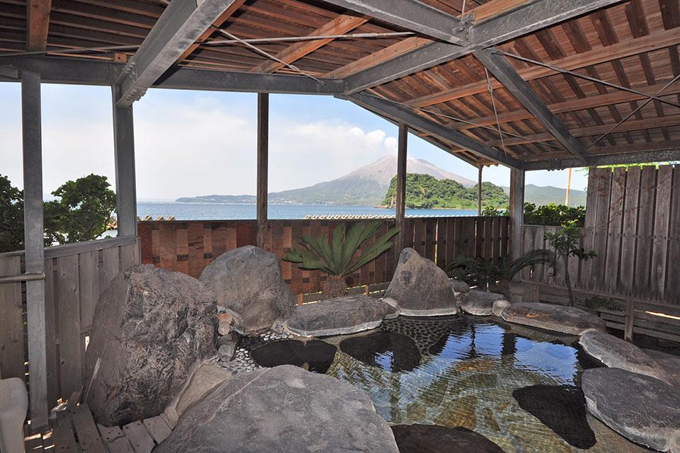 【鹿児島の温泉セレクト170ピックアップ】くぅ~ってなる熱めの温泉とアツアツ唐揚げの最強コラボ