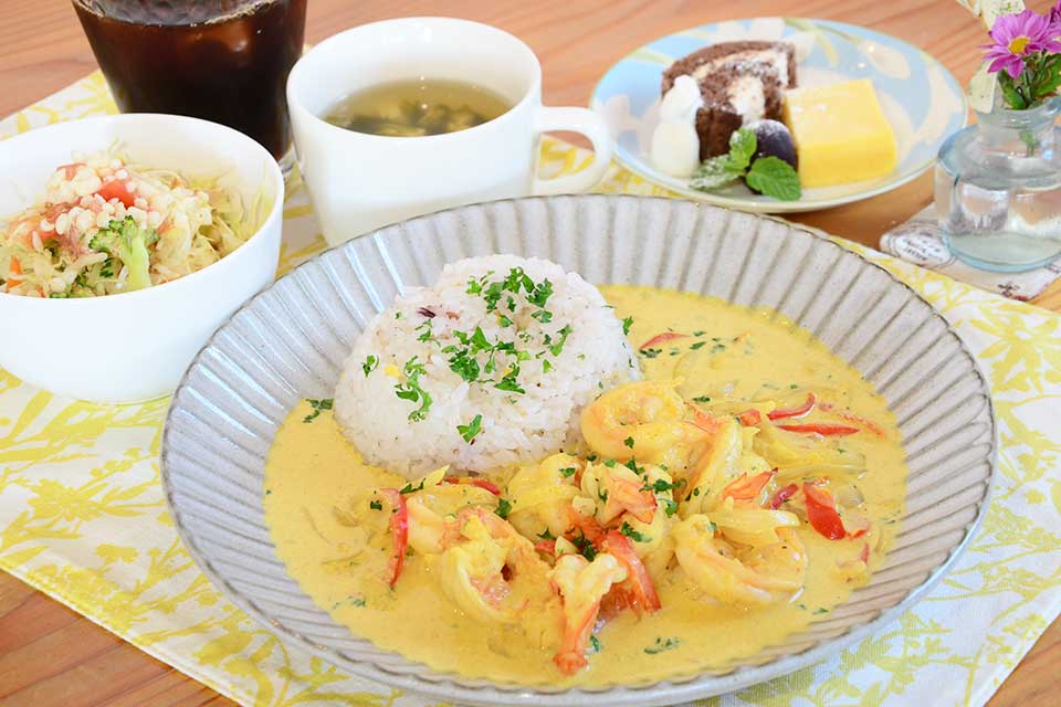 【cafe ONE LOVE】種類豊富なランチメニューと季節のスイーツでのんびりカフェタイムを