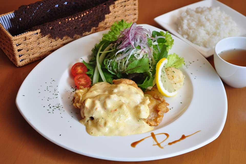 【キッチン*パレード】人気メニューはそのままに 可愛い洋食レストランが移転オープン