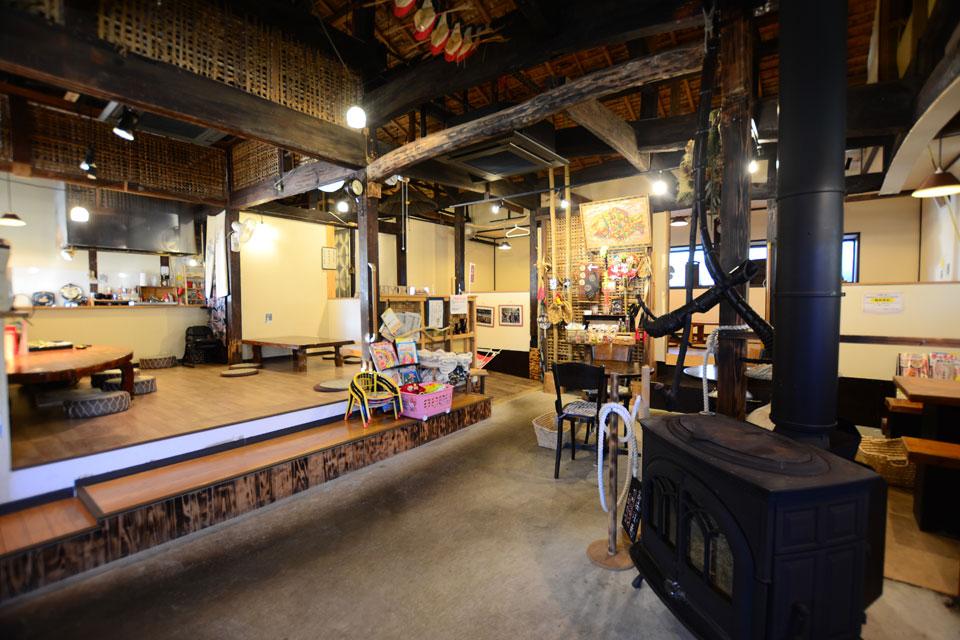 <b>【古民家cafe 日和】</b>ホッと落ち着く古民家で、自信作のチョコピザをいただきます!