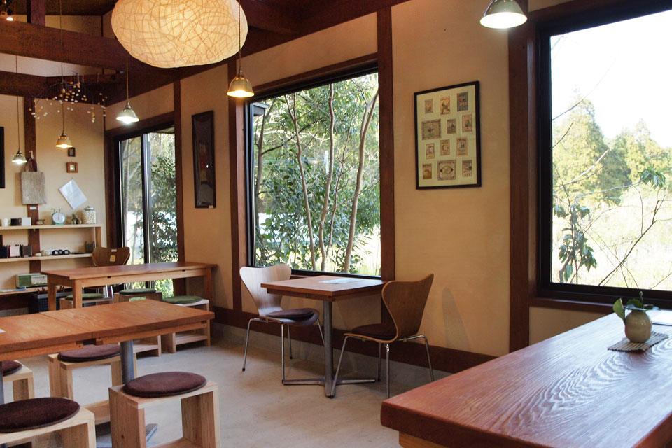 <b>【養蚕農家カフェ 桑の実】</b>養蚕農家が営む山の中の素敵カフェが、ついにカフェ営業を再開しました!