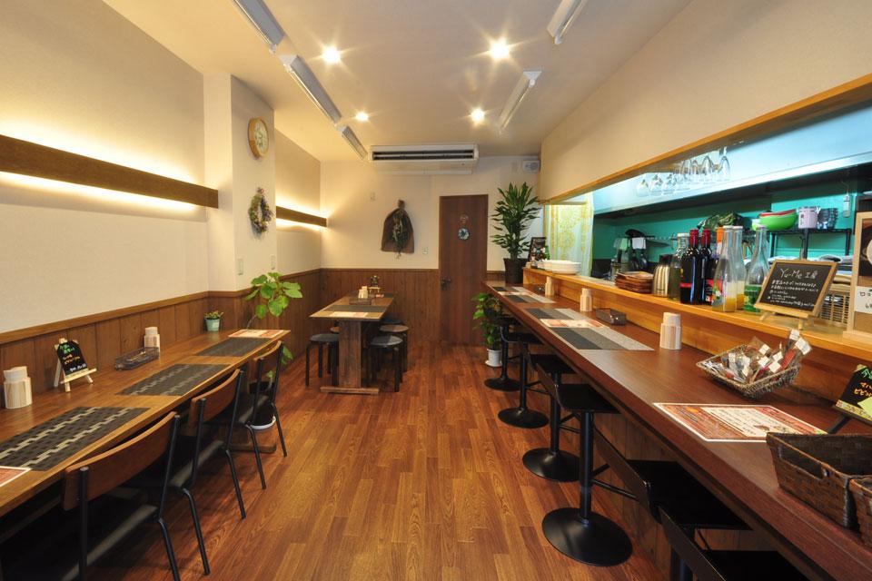 <b>【Dining Mahalo】</b>昼はタコライスとロコモコでカフェ風に、夜は気軽な居酒屋チックにバルスタイルで