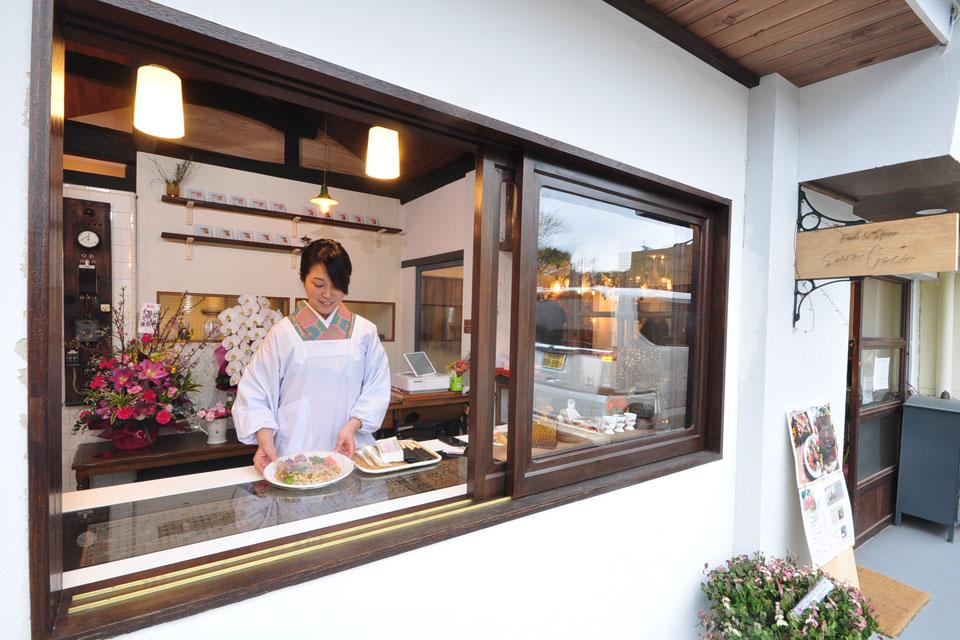 <b>【Soerw Coco】</b>食卓に寄り添う。がコンセプトの副菜とスパイスの持ち帰り専門店
