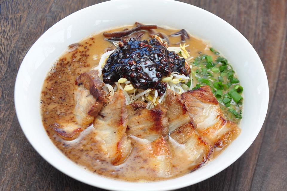"""<b>【仁~Jin~】</b>甘くてほんのりピリ辛でそれでいて奥深いスープ…青龍の""""特製みそ""""が帰ってきた!"""