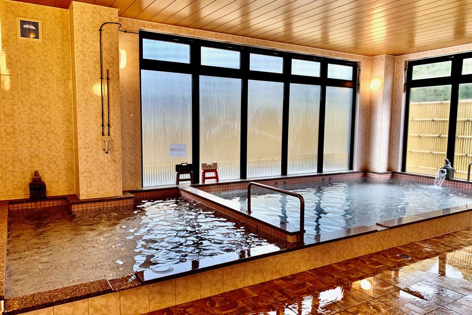 <b>【</b>ビジネスホテル </b>クアドーム】</b>旧クアドーム阿久根が天然温泉を備えたビジネスホテルとしてオープン