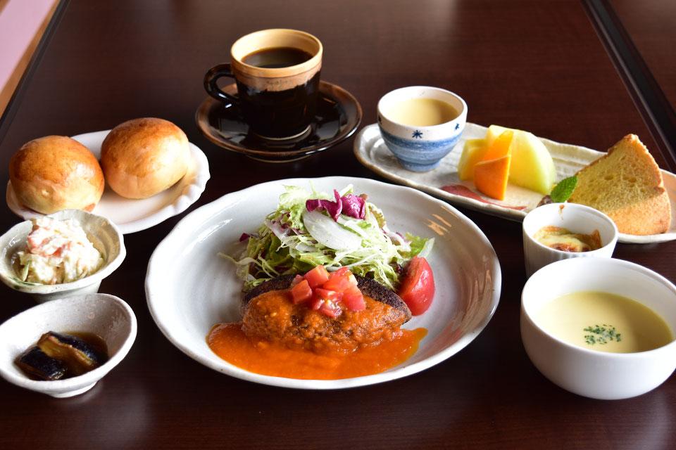 【Dining 湯とり】東市来町の高台にオープン。民家を改装した和の空間で味わうとびっきりの洋食メニュー
