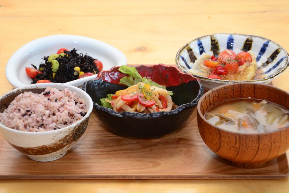 <b>【鹿屋アスリート食堂】</b>体が求める栄養をバランスよく補給する「一汁一飯三主菜」