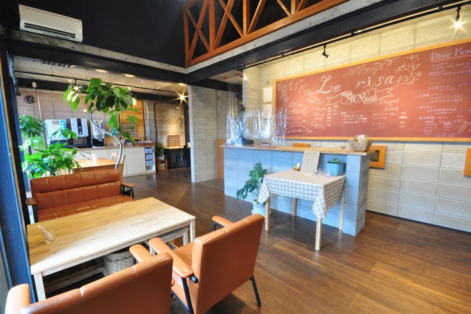 <b>【le risa caffe】</b>ママもキッズもニッコニコ♡完成したばかりの素敵カフェ。洋食メニューから本格的なラーメンまでメニューバリエは豊富
