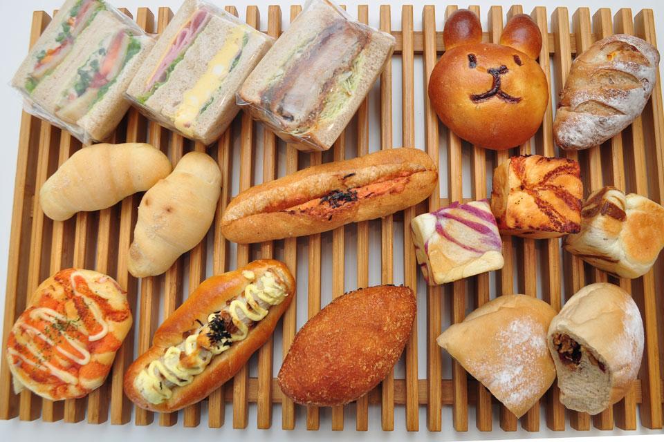 <b>【PANPAKA・PAN】</b>惣菜パン、菓子パン、ハード系…種類豊富に揃う地域密着系パン屋さん