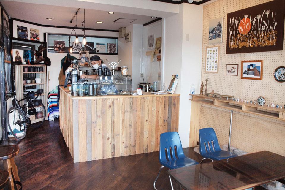 <b>【ROCKPOINT COFFEE】</b>その人の好みに合わせた1杯を選んでくれる、ふらっと気軽に集えるコーヒー店