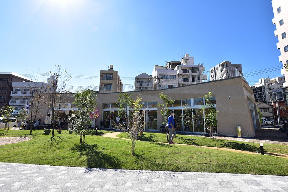 <b>【Black Smith PREMIUM GARDEN】</b>加治屋町に誕生!桜島を望む公園一体型のカフェレストラン♪