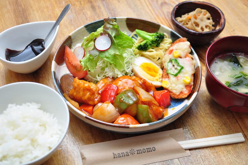 <b>【おうちごはん&カフェ hana*momo】</b>古民家店からシャレた雰囲気に 華麗なる転身を遂げた出水のステキカフェ