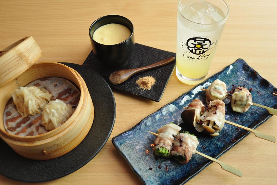 <b>【蒸気ボーイ】</b>焼売、豚蒸野菜巻き串、おこわに茶碗むし…ホカホカアツアツの蒸し料理専門店