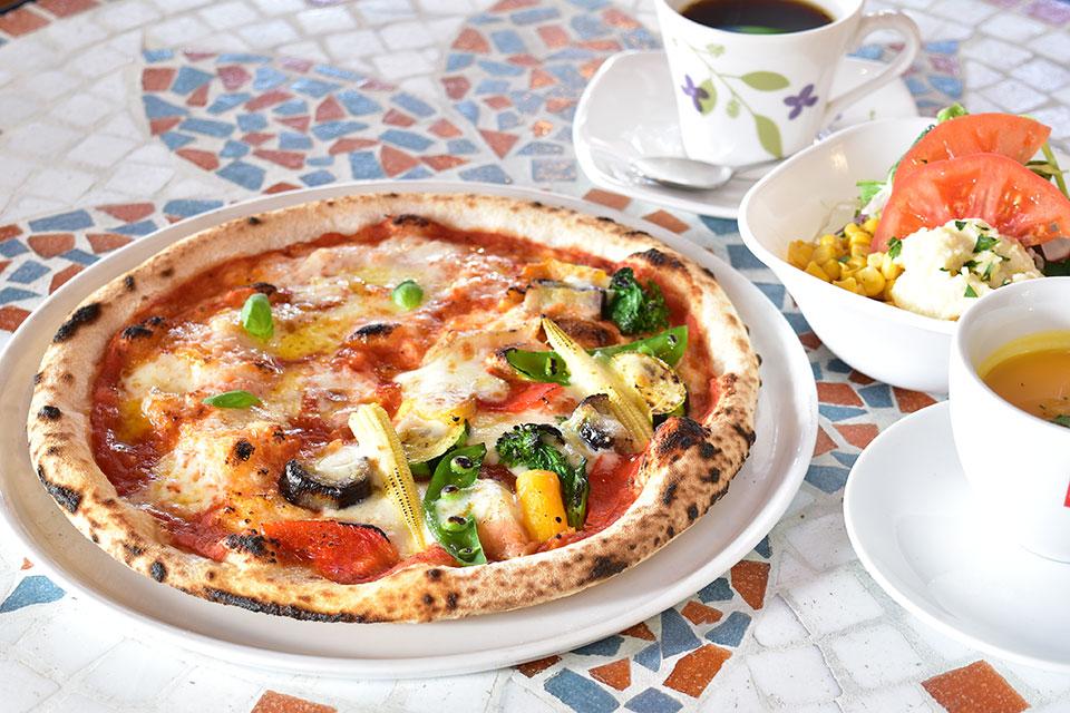 <b>【Alice Cafe】</b>ピザもパスタもハンバーグも絶品!鹿児島空港近くの欧風カフェレストラン