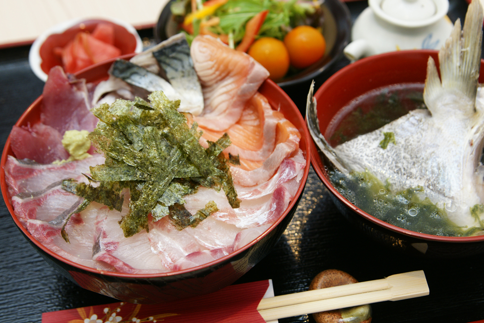 <b>【いお家】</b>こだわりの鮮魚を使った料理と日本酒が魅力の料理店でランチを堪能しよう